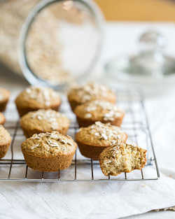 Cinnamon Maple Zucchini Oatmeal Muffins